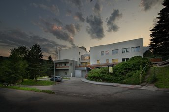 EA Hotel Kraskov**** - hotel building, evening scenery